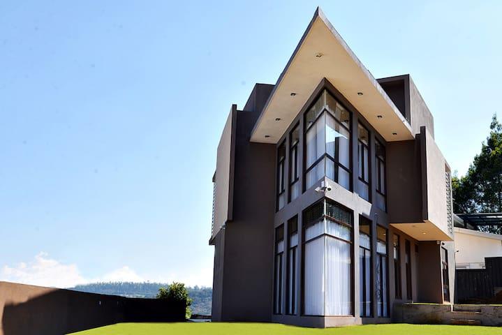 金斯福德公寓 - 豪华公寓努瓦拉埃利亚
