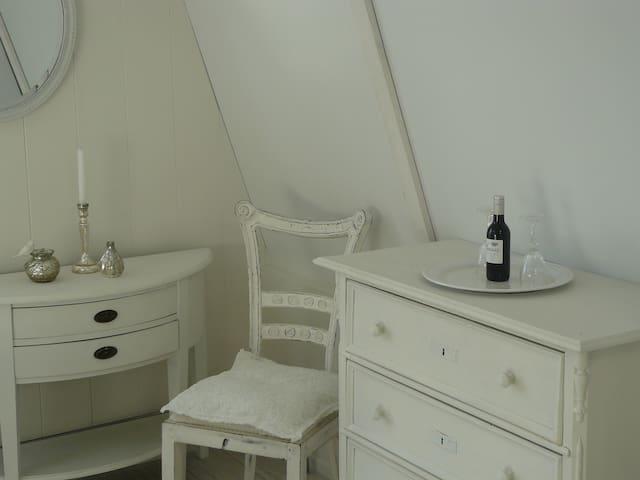 HIPDEPIP uniek & mooi appartement in hartje Edam