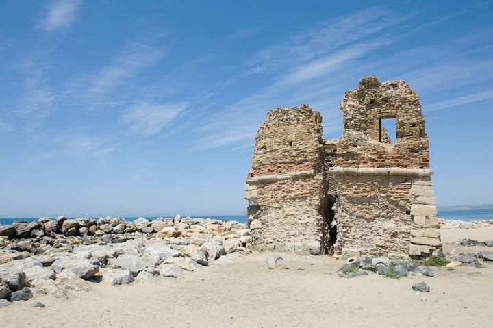 Studio near beach and etruscan area