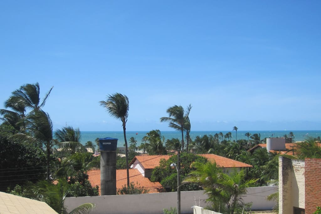 Blick vom Balkon aufs Meer