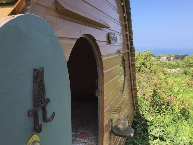 ST IVES HOBBIT HOUSE - ST Ives - Cabin