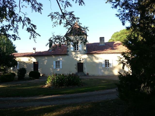 Maison de maître avec piscine - Vielle-Tursan - Casa