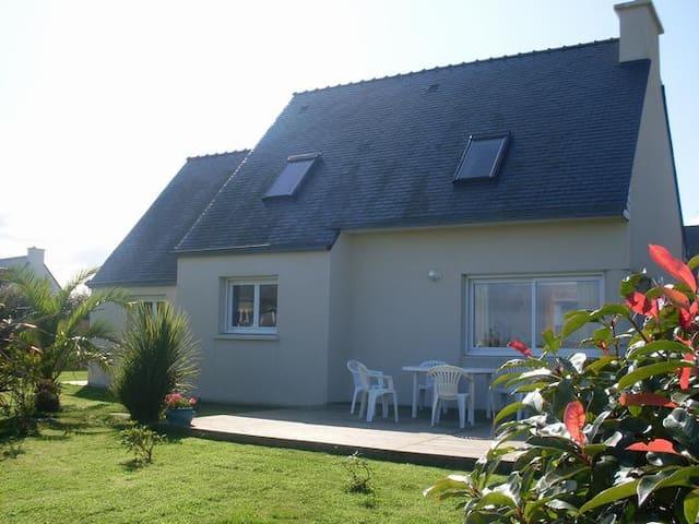 Maison avec vue mer à proximité des plages / GR34