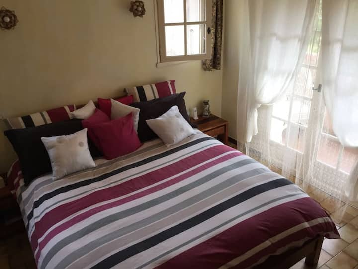 B&B Pacific Avenue - Family Room (2 bedrooms with one bathroom w/ toilet + shower)