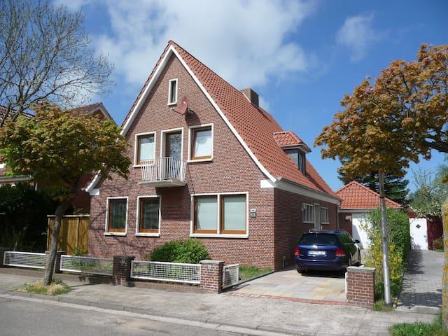 Norden Ferienhaus freistehend - Norden - Casa