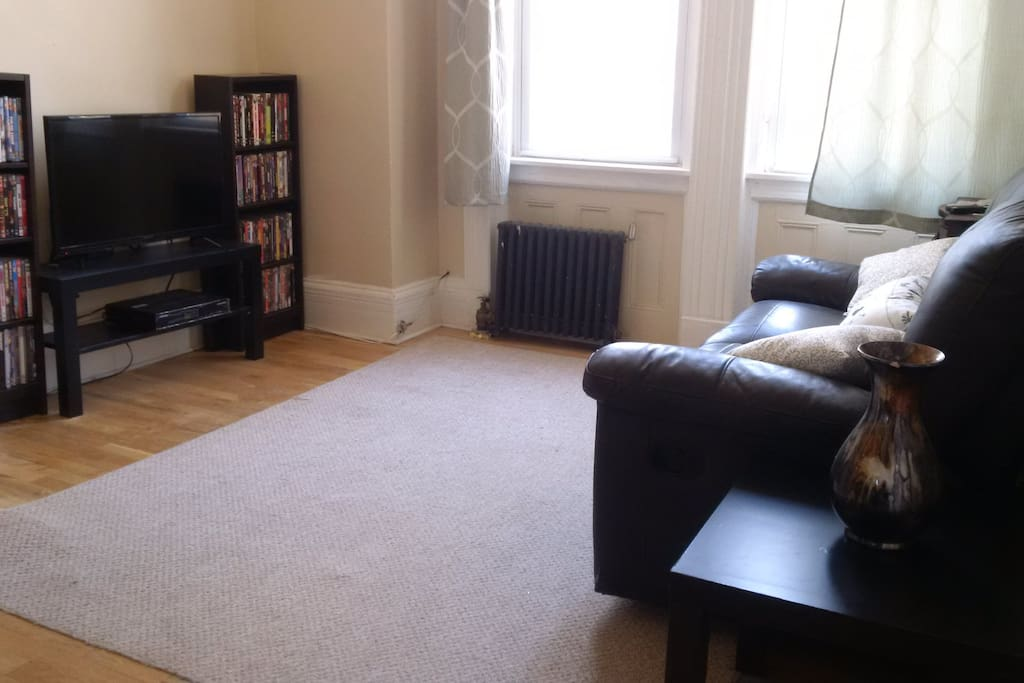 Lots of sitting space with flat screen TV with premium channels