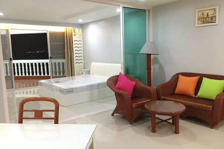 Private Condo on the beach - Rayong - Appartement