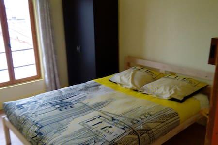 Appartement en cœur du sympathique village d'Aigre - Aigre