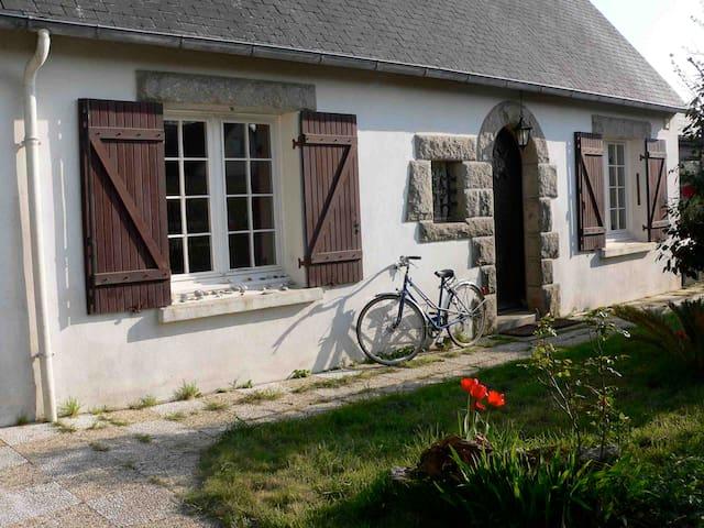 Grande maison lumineuse proche Mer - Loctudy - บ้าน