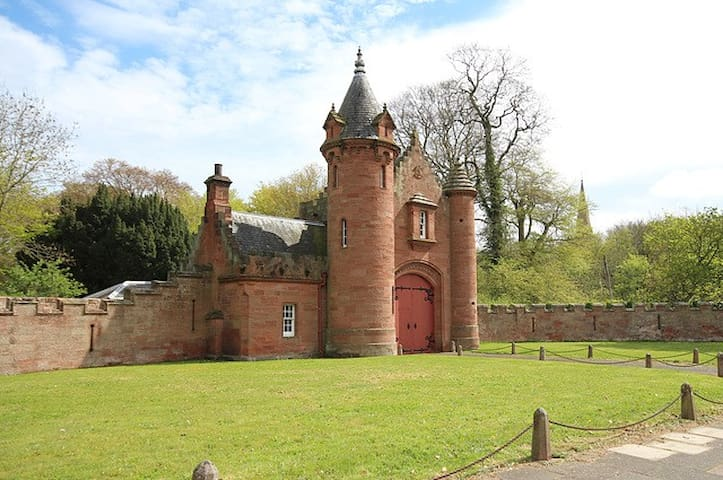The Gatehouse to Ayton Castle - Eyemouth