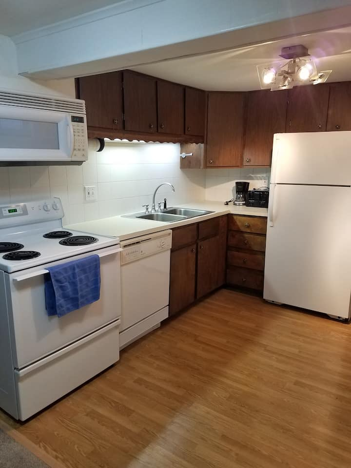 Cozy 2 bedroom minutes from downtown Minneapolis