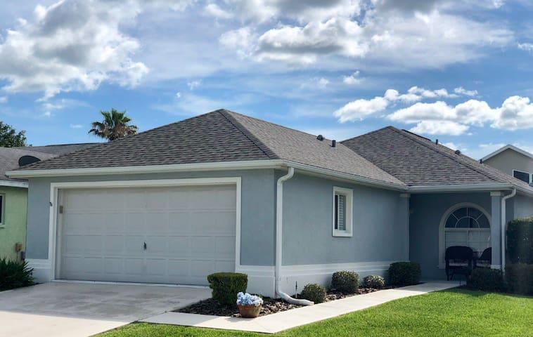 Ocala Gated Resort Home, Golf, Tennis, Gym,Pools