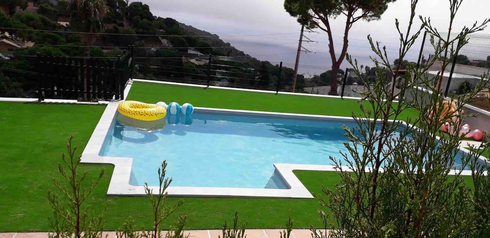 Sea-view cozy Aptm w amazing new pool !