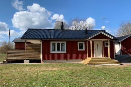 Fräsch stuga i Köpingsvik