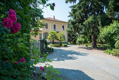 Saracco House:  Art Nouveau residence in the park