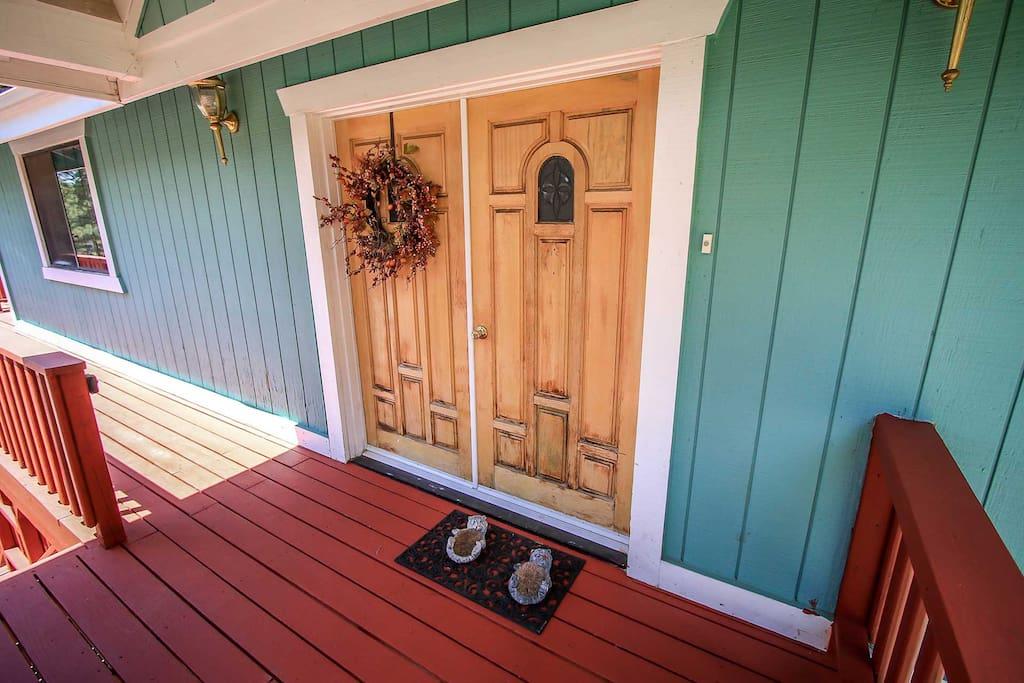 Hardwood,Indoors,Room,Deck,Porch