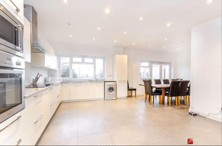 6 Bed House in North West London - Londres - Casa
