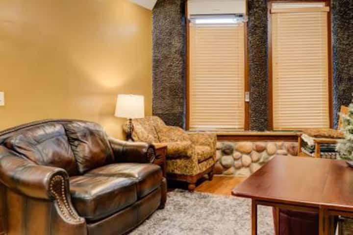 Mission Suite- Fall River Suites- Pet Friendly