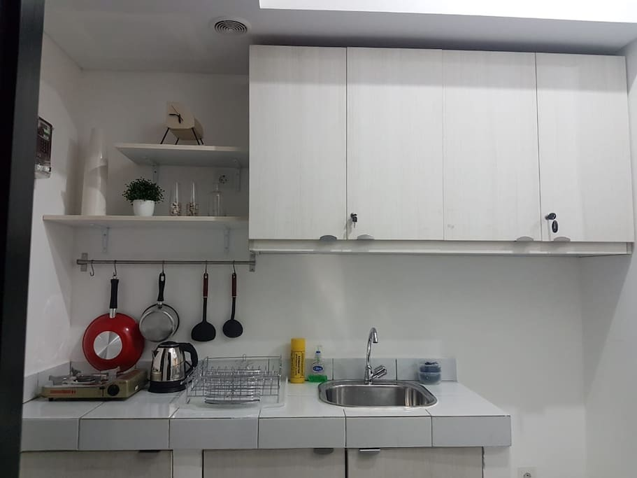 Small kitchen ready to use