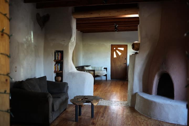 Authentic Adobe home, Pecan orchard, Spa & Sauna