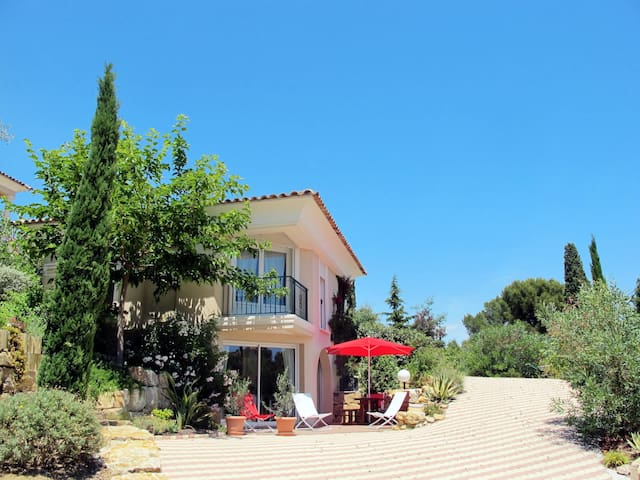Holiday home in Saint Aygulf for 6 persons