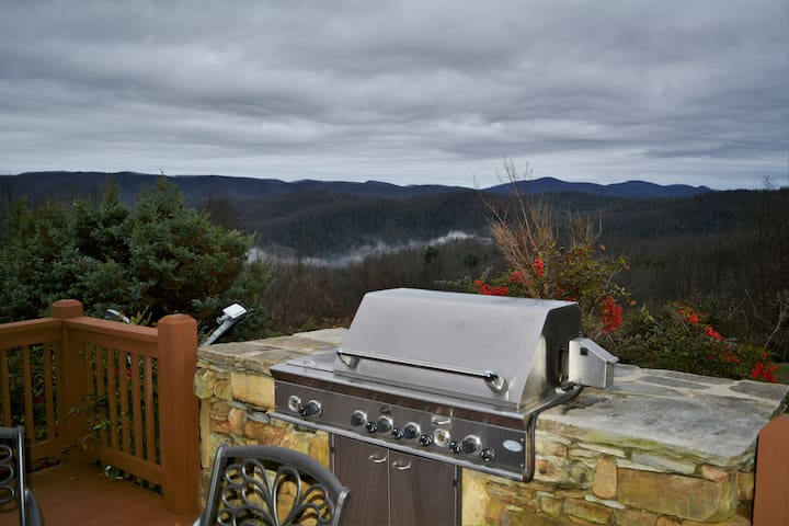 Stunning views on eight acres - Saluda - Cabin