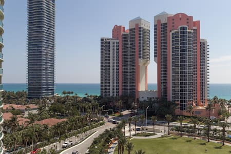 Fantastic Ocean View! near Aventura & Beach STR406