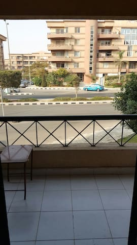 Garden and street - New Cairo City - Apartamento