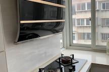 『源』芝罘区市中心 上夼美食街 近海 万达 大床 交通便利 暖气 网络电视 免费停车