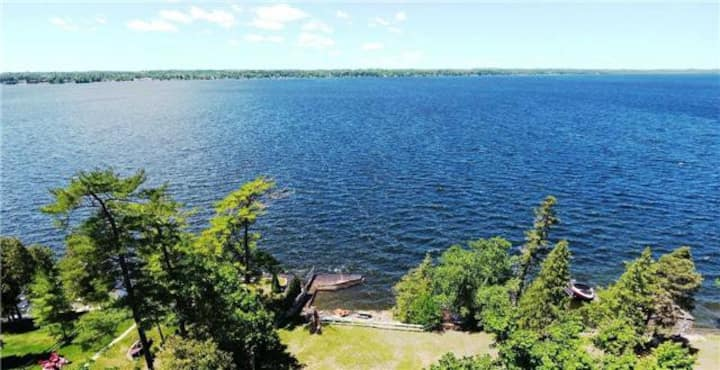 #1 /Self-contained 1 bedroom unit, Step to lake