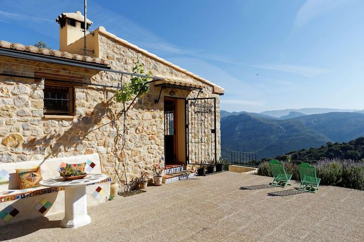 Casa rústica en plena montaña