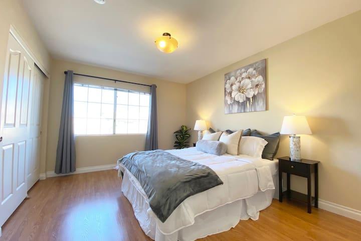 ♡24. 2F Bedroom - D1