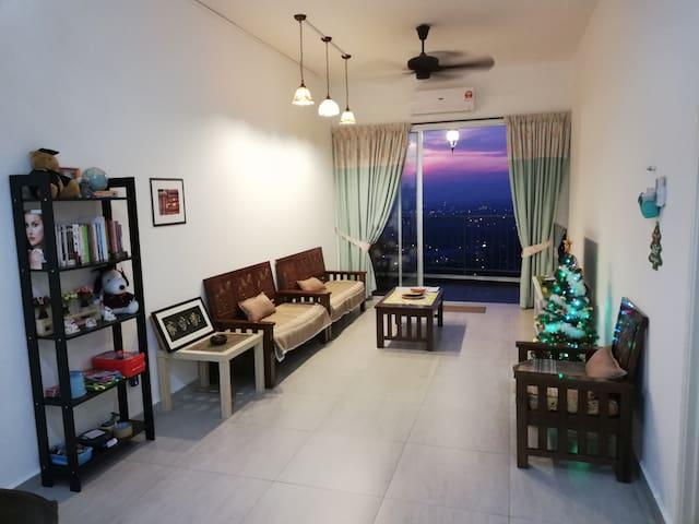 CrystalCreek Hillside Skylodge in Taiping w/mobifi