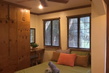 Homey budget accommodation in green central area