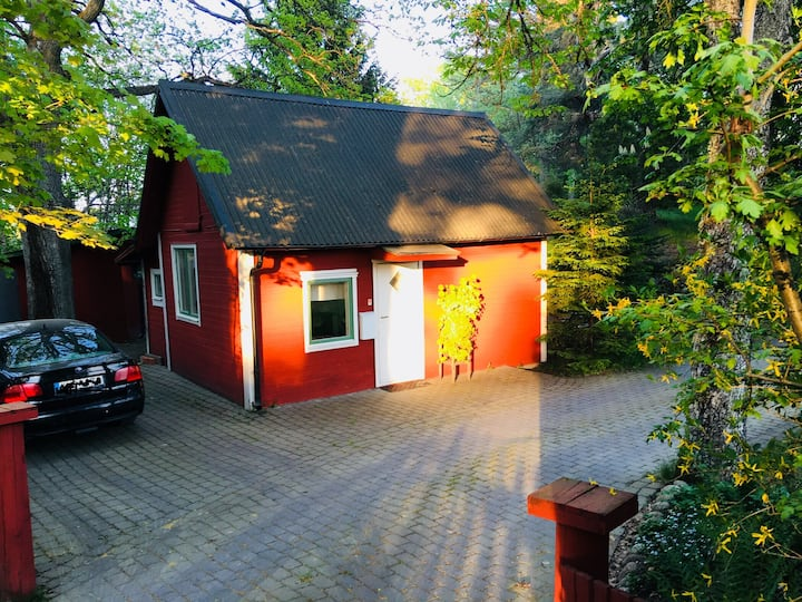 House 25 min from Stockholm city by metro/train.