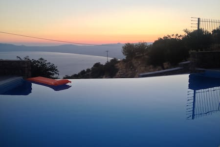 AEROPI VILLAS in the sky over the sea - Kalamata