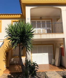 Appartement El Escondite met zwembad en dakterras