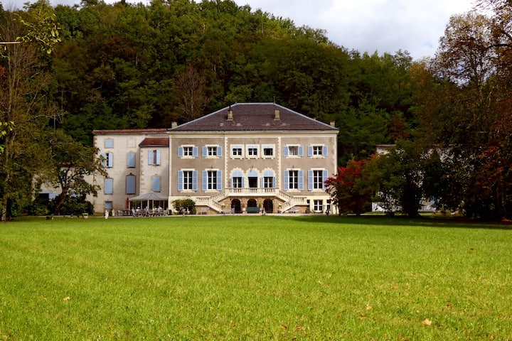 CHATEAU DE RHODES in Natural Park ARIEGE