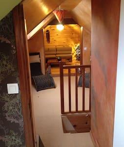 Chambre confortable dans maison - Fresné-la-Mère - House - 1