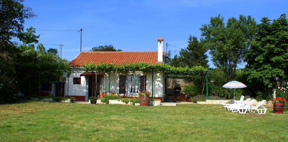 HOUSE VIOLETA - Salakovci - Huis