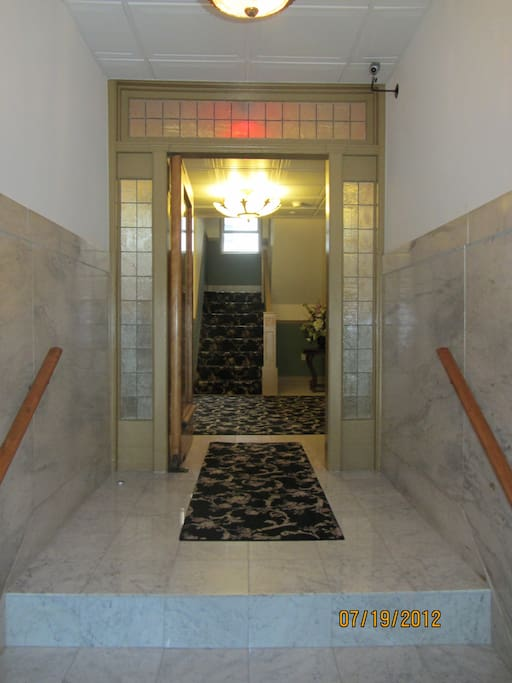 1922 marbled, art-deco foyer, lots of beach charm