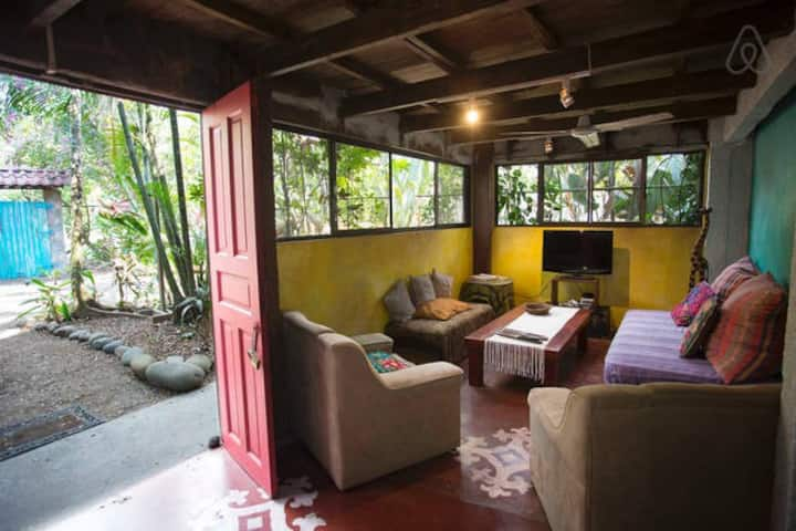 Private Room Double Bed in Casa Jungla Hostel