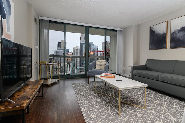 Kasa | Chicago | Trendy 1BD/1BA River North Apartment