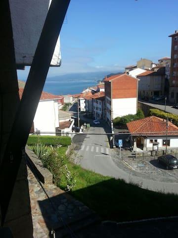 Casa con bonitas vistas en el pueblo de Lastres - Lastres - Maison