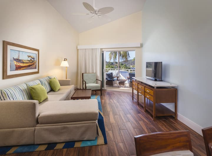 FAMILY VACATION AT A LUXURY RESORT - 2 Bedroom Deluxe Suite - Accomodates up to 8 Guests - Pools, Beaches and MORE!