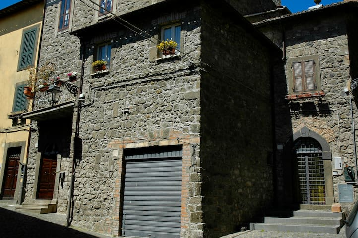 Montefiascone casa vacanze LaRocca centro storico - Montefiascone - Casa