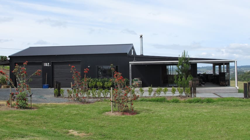 Renovated Barn Wow - Tawharanui Peninsula - Chatka