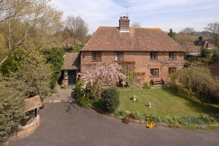 Derringstone Manor for peace &quiet - Barham - Bed & Breakfast