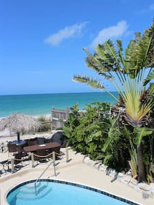 PRIVATE BEACH,  unit w/Pool Sandy Toes Penthouse