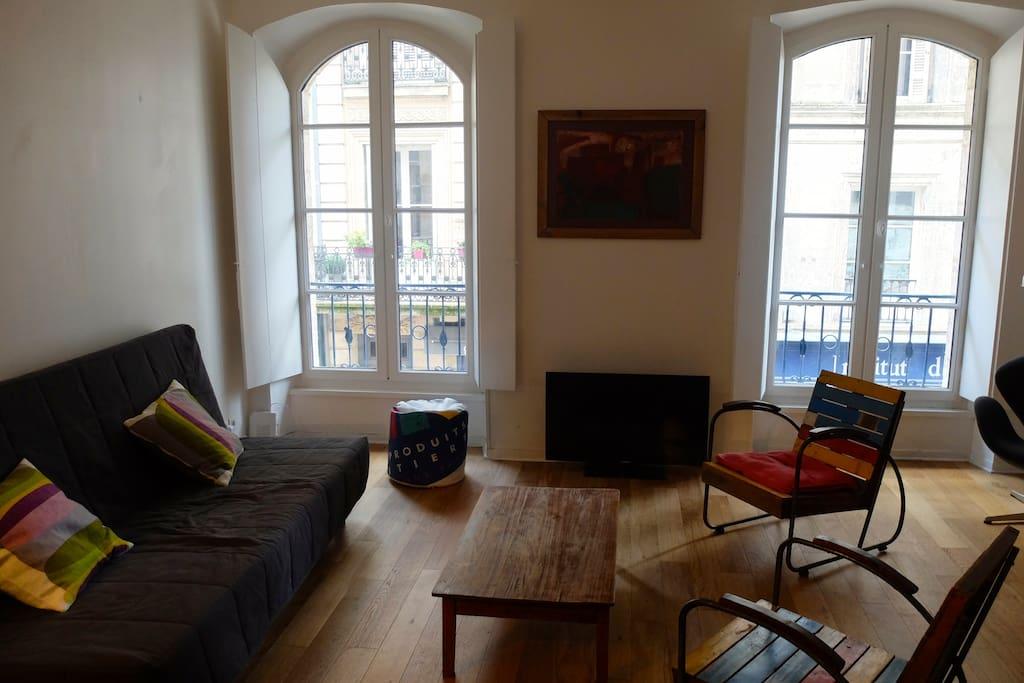T2 hypercentre terrasse charme appartements louer for Louer t2 bordeaux